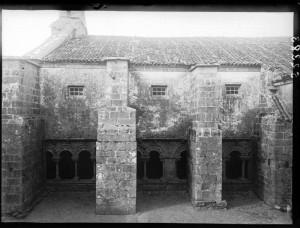 Claustro. Arquivo fotográfico Ruíz Vernacci. Instituto del Patrimonio Cultural de España (IPCE).